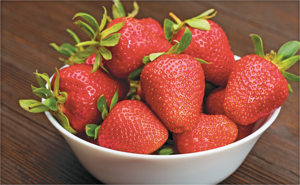 1 lb. Super Sweet Strawberries product image.